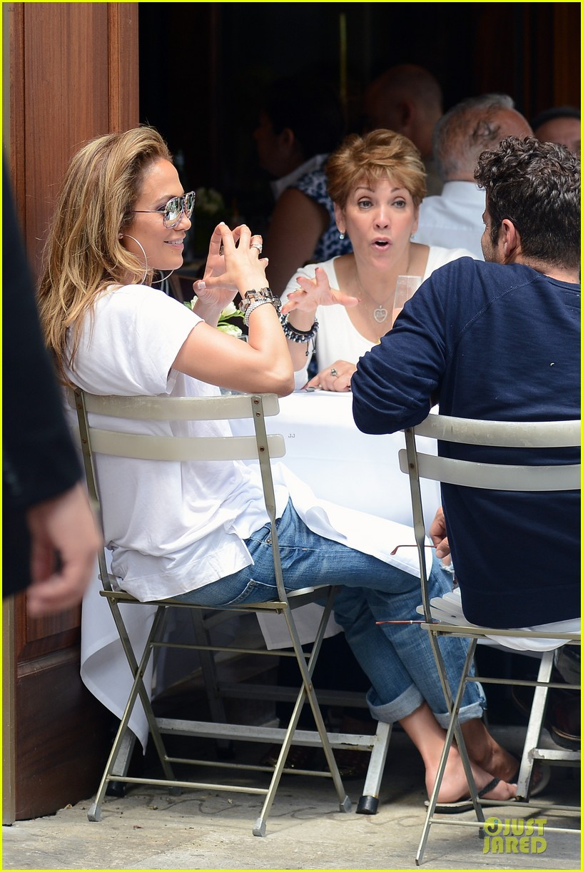 jennifer lopez mom guadalupe spend time after mothers day 133111938
