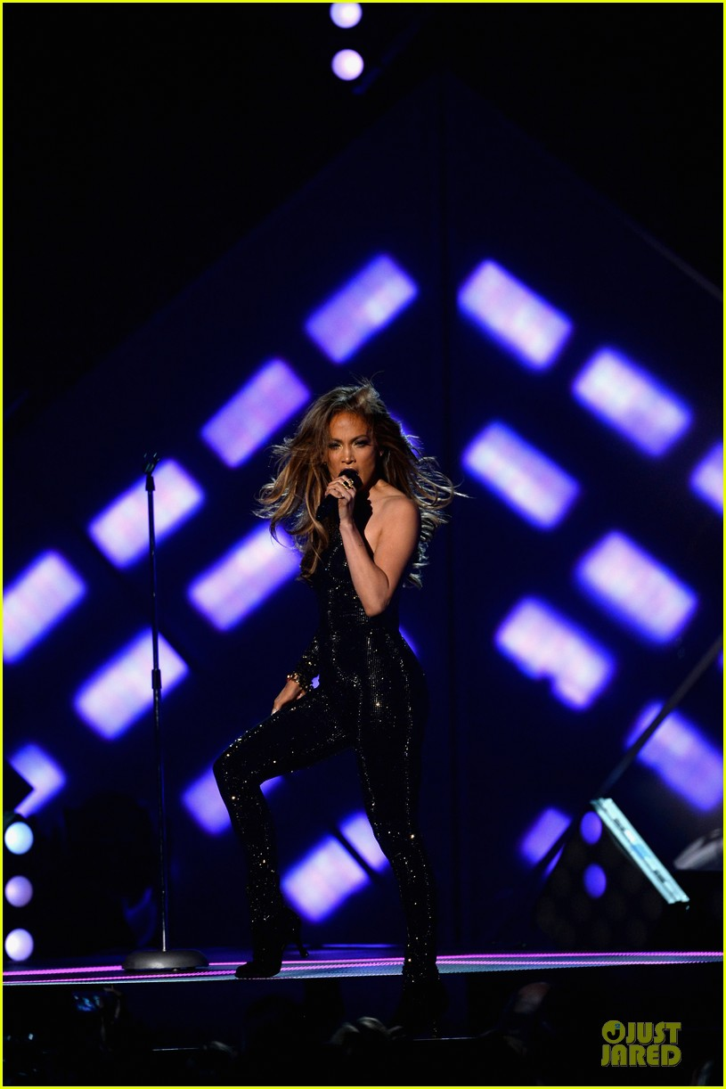 jennifer lopez performs first love billboard icon 073116986