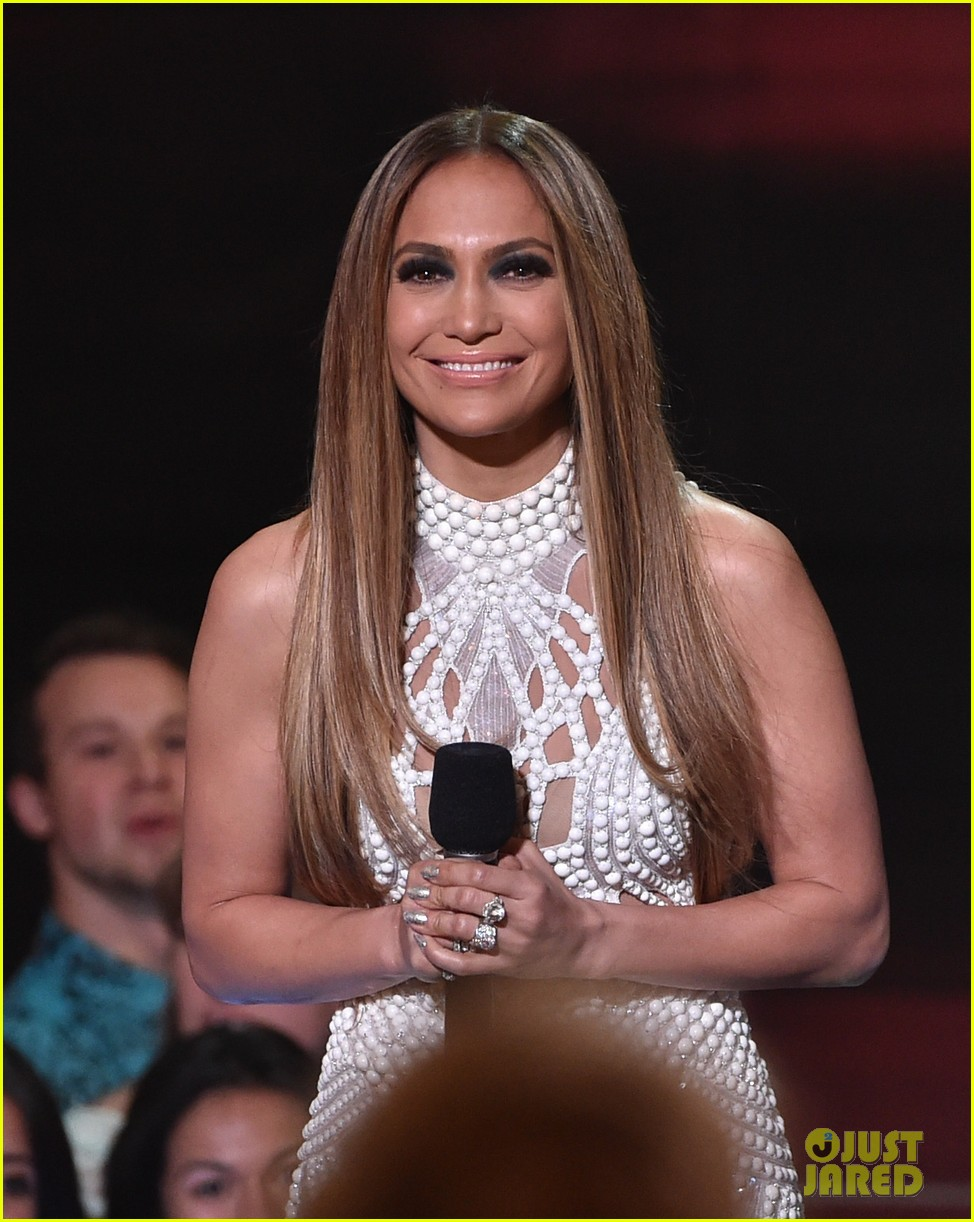 jennifer lopez goes from idol to iheartradio music awards 023103542