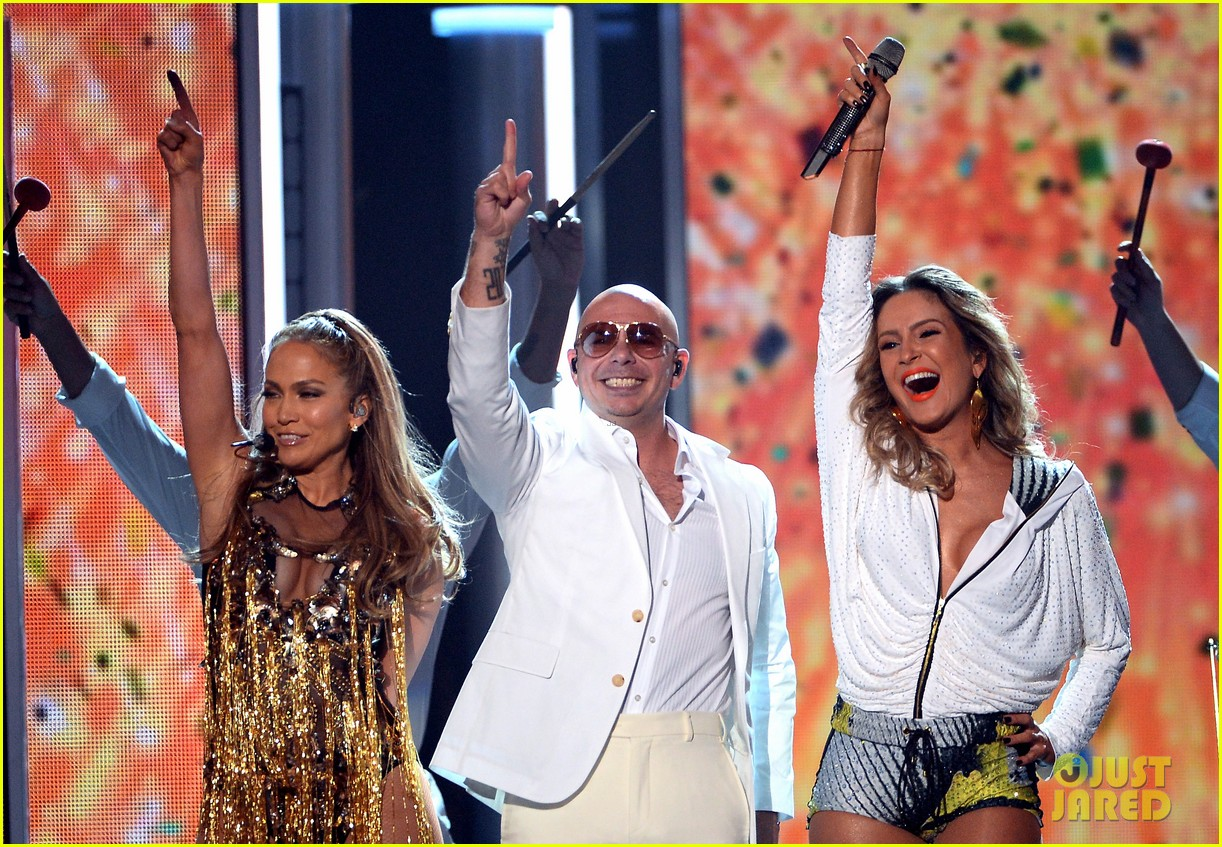 jennifer lopez pitbull perform billboard music awards 2014 053116781