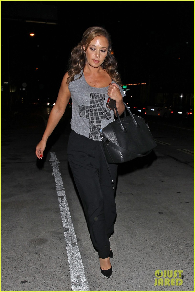 jennifer lopez grabs dinner with bff leah remini after american idol performance night 023103012