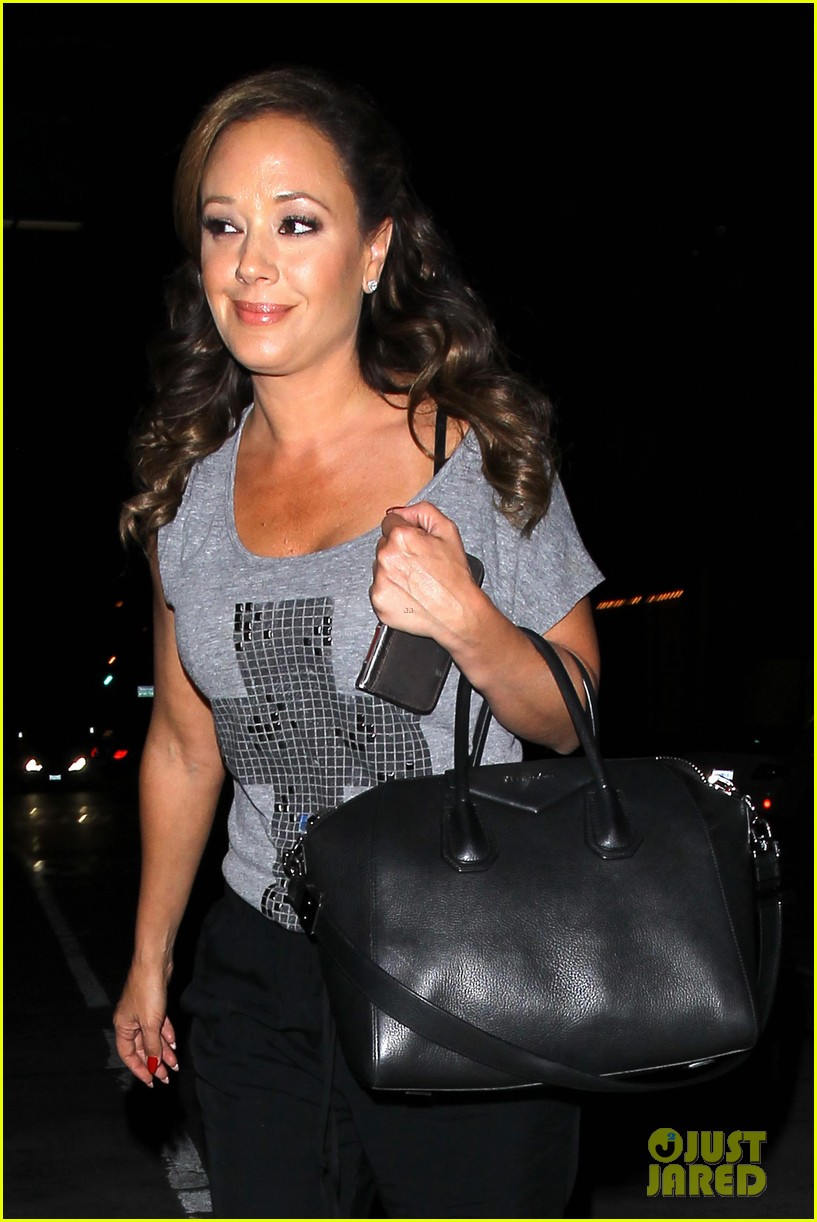 jennifer lopez grabs dinner with bff leah remini after american idol performance night 033103013