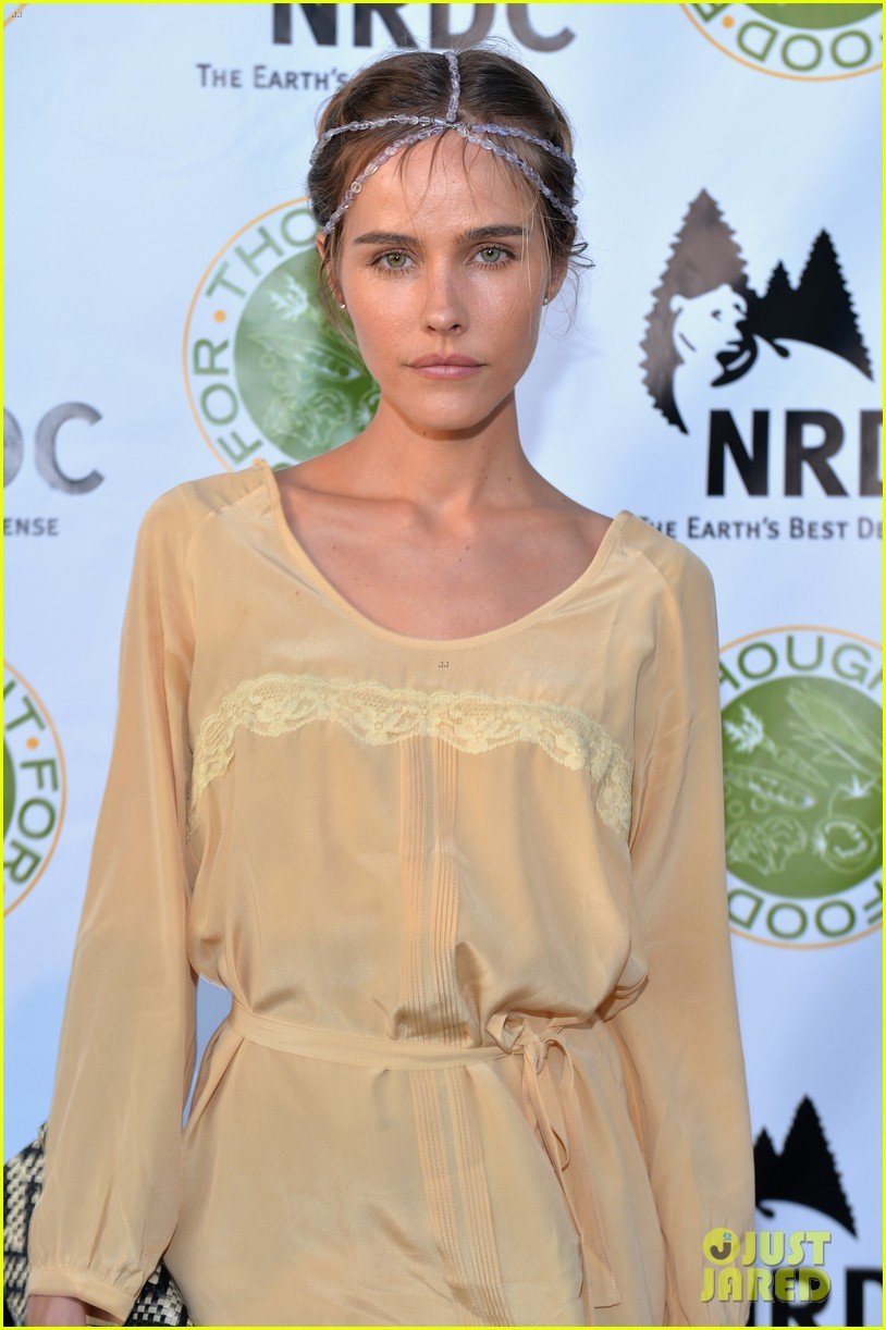 isabel lucas amber valletta get glam for ndrcs food for thought benefit 123124544