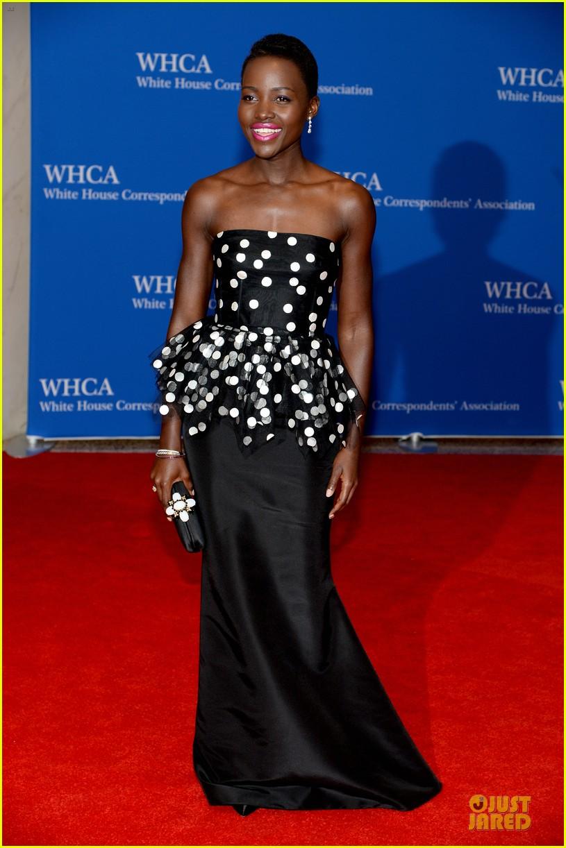 lupita nyongo freida pinto white house correspondents dinner 2014 033104626