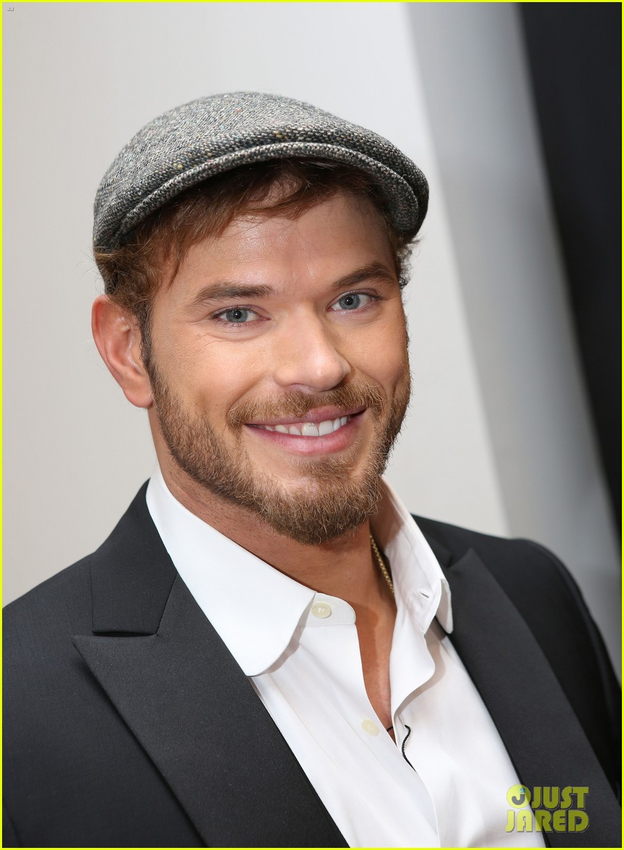 kellan lutz cannes break relax pool 093118922
