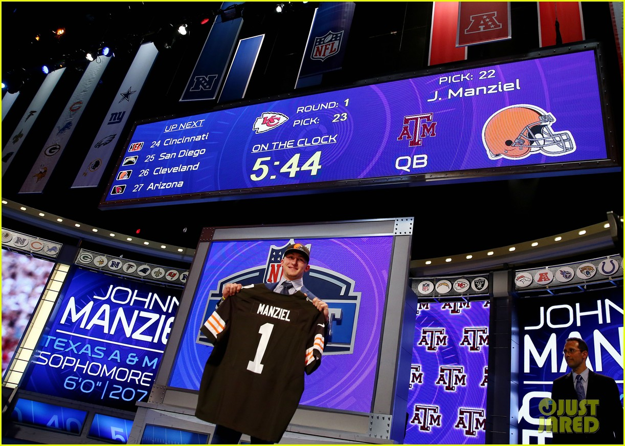 johnny manziel gets picked 22nd in nfl draft 053109019