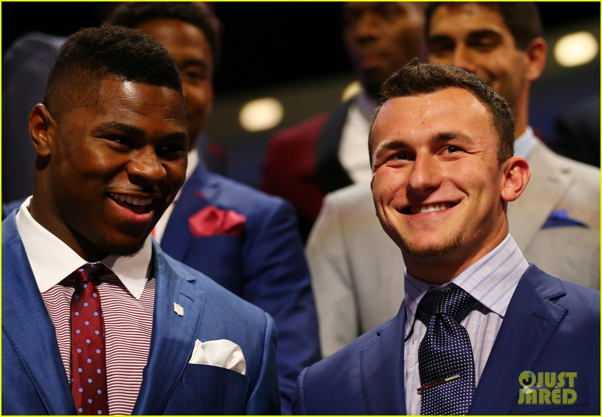 johnny manziel gets picked 22nd in nfl draft 103109024