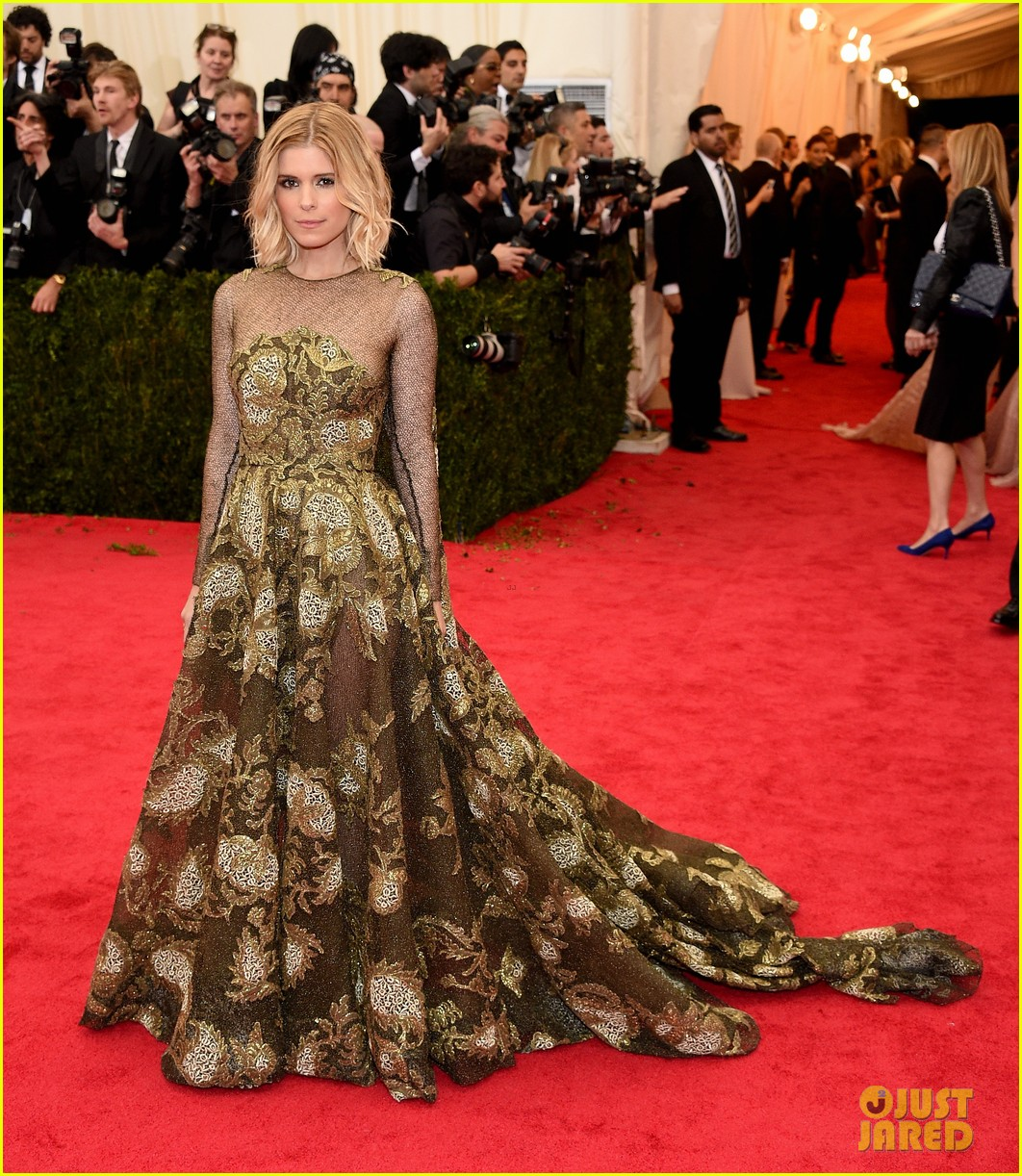 kate mara met ball 2014 red carpet 053106290