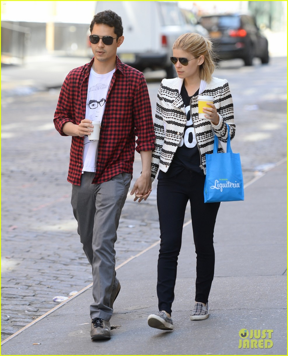 kate mara max minghella hold hands in nyc 033108723