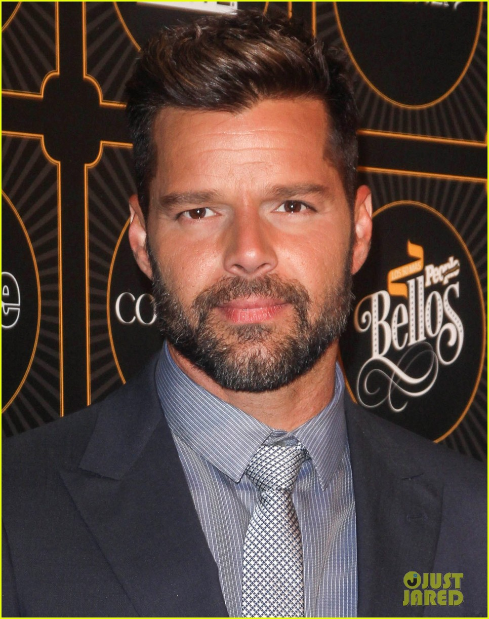 ricky martin suits up for people en espanols annual 50 mas bellos 093112304