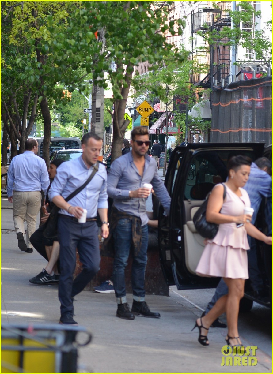 ricky martin id love to come out again 053115007