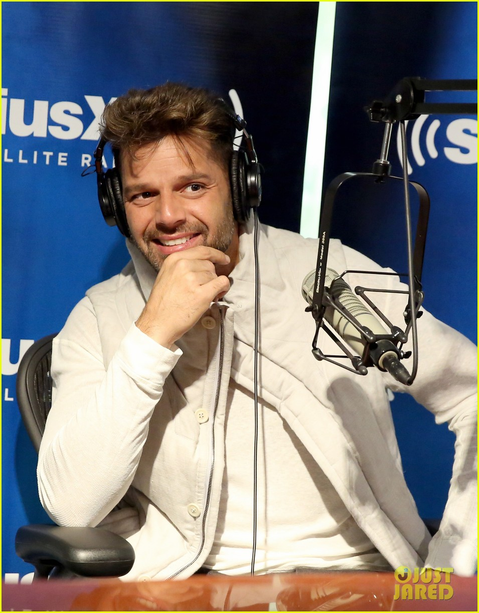 ricky martin id love to come out again 063115008