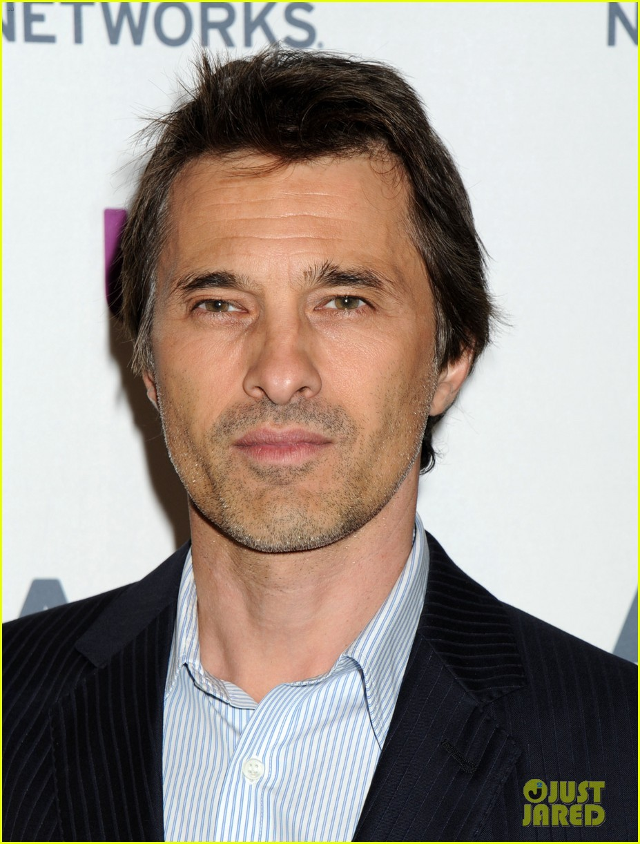olivier martinez steps out in new york for ae upfronts 013109332