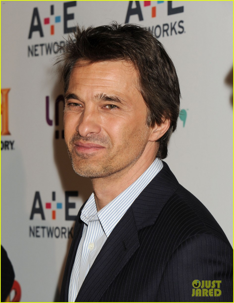 olivier martinez steps out in new york for ae upfronts 08