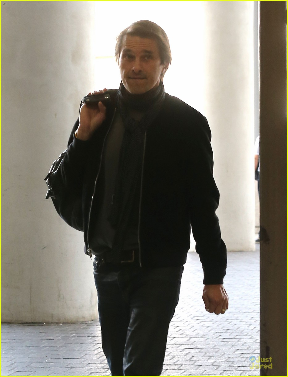 olivier martinez european style at lax airport 02