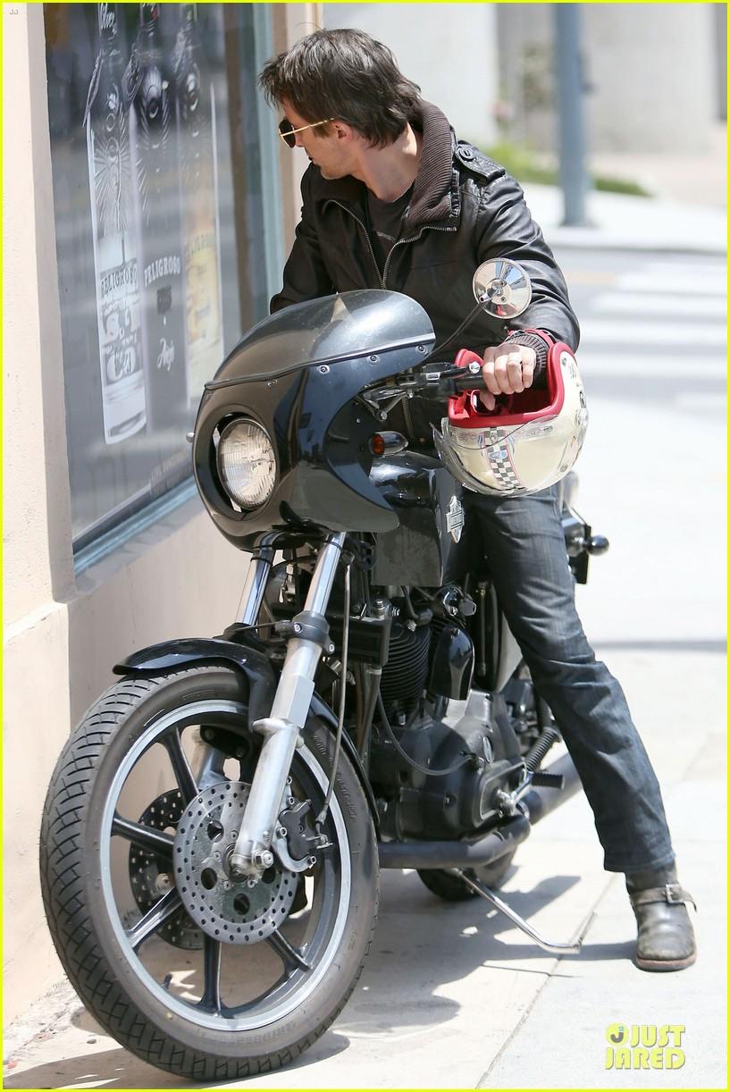 olivier martinez carrys motorcycle purse like a purse 033118663