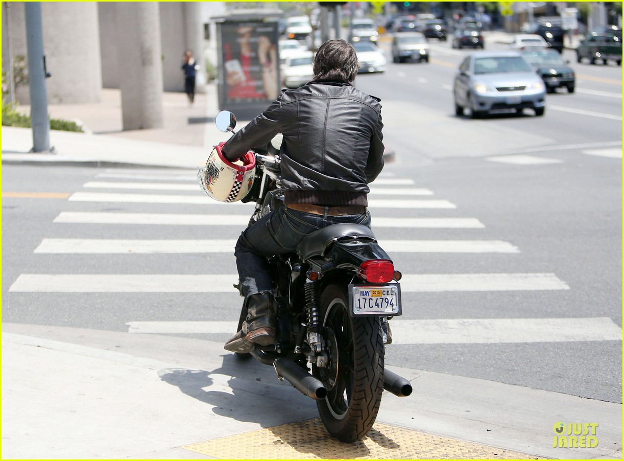 olivier martinez carrys motorcycle purse like a purse 233118683