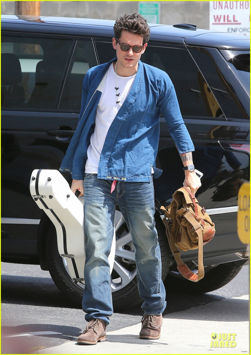 john mayer pays tribute to ferry victims 013109809
