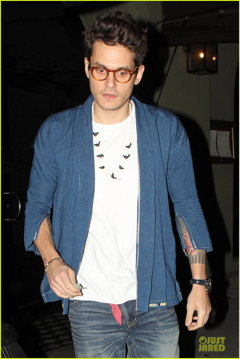 john mayer pays tribute to ferry victims 043109812
