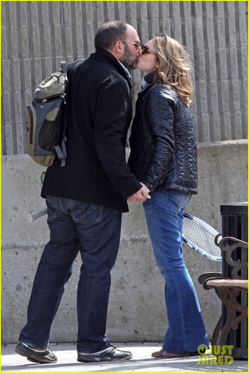 rachel mcadams kisses boyfriend patrick sambrook photos 023104366