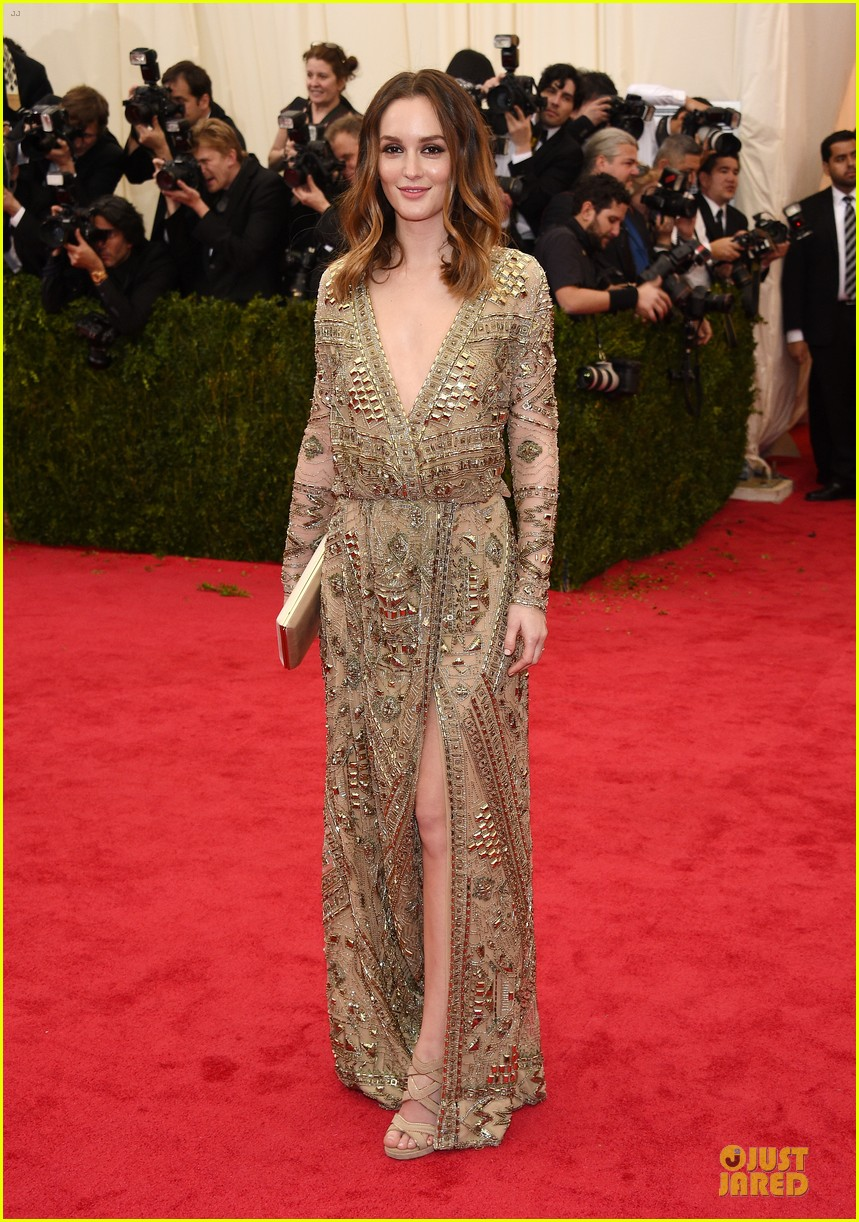 leighton meester golden met ball 2014 013106310