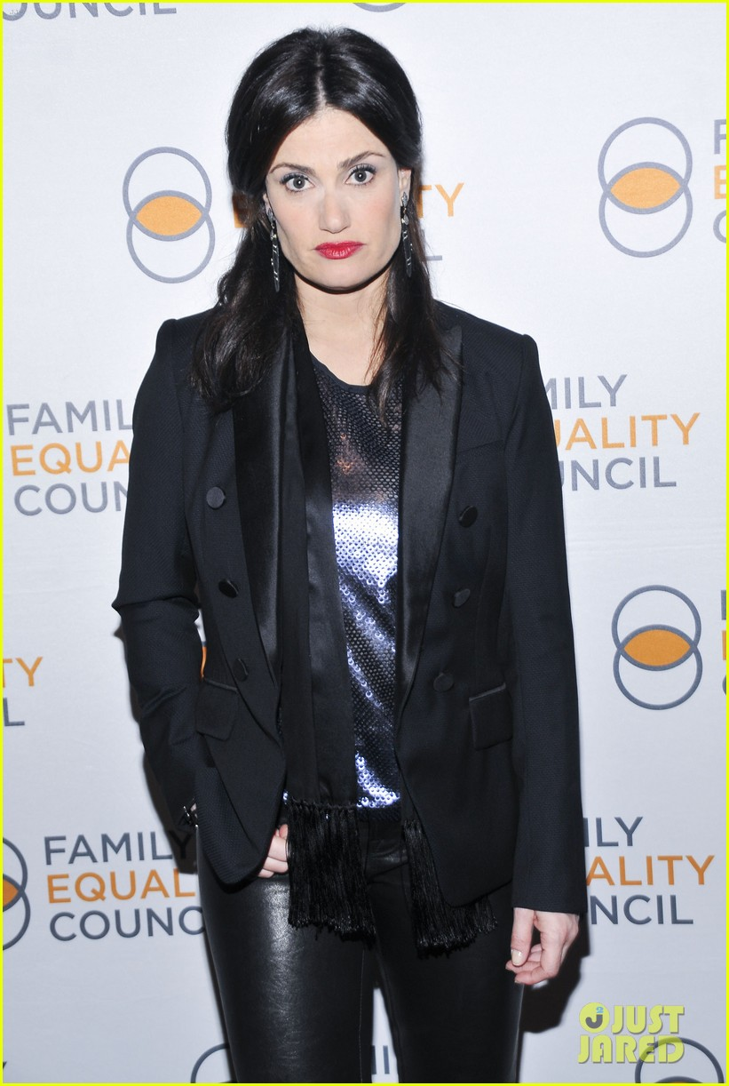 idina menzel belts it out for equality 113112603