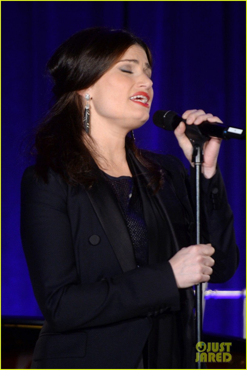 idina menzel belts it out for equality 143112606