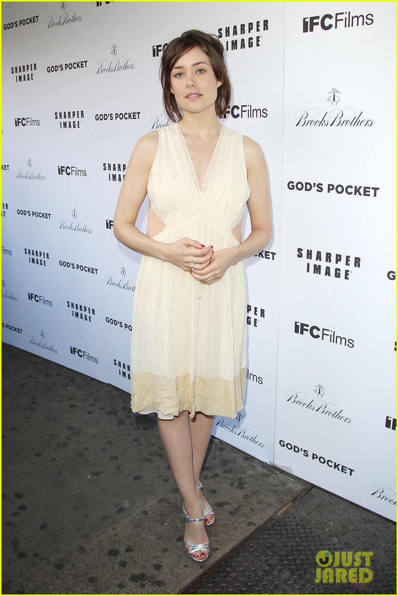debra messing shows her support for philip seymour hoffman at gods pocket screening 053105526