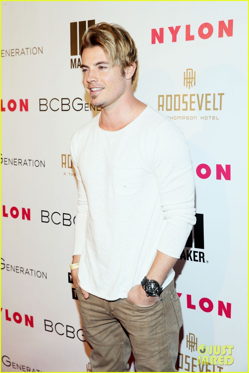 jesse metcalfe josh henderson bring the heat to the nylon party 093109518