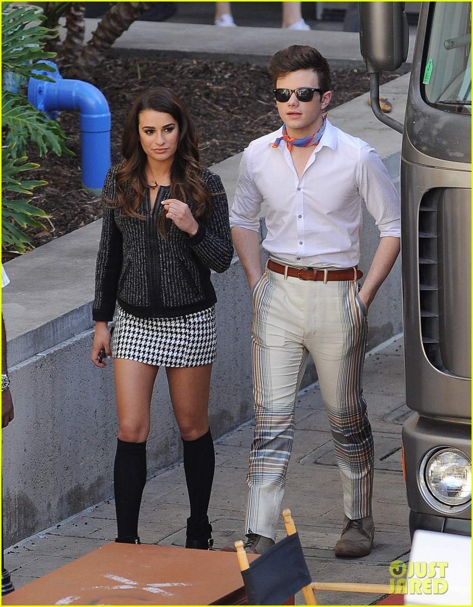 lea michele heather morris hang out on glee finale set 053103480