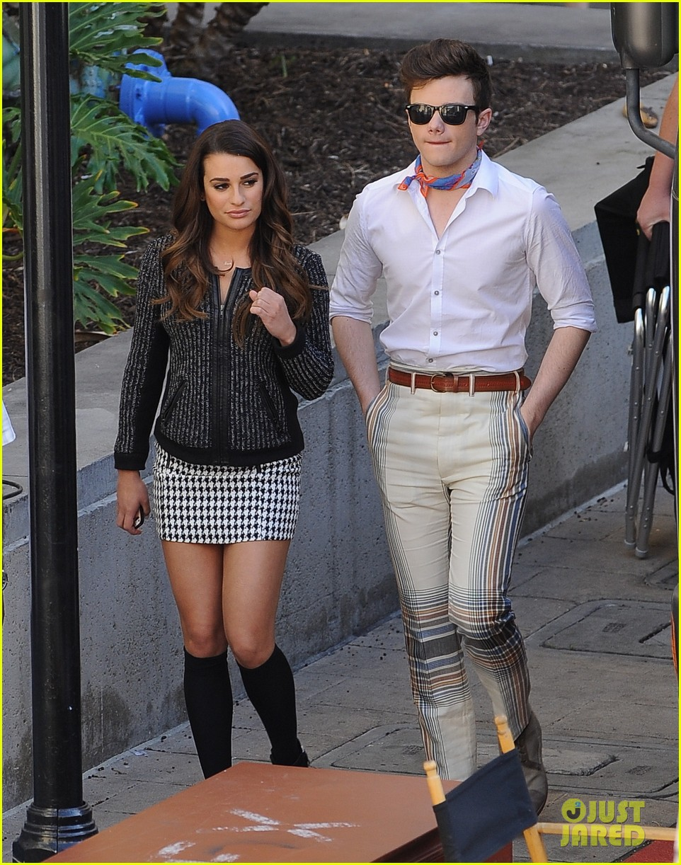 lea michele heather morris hang out on glee finale set 113103486