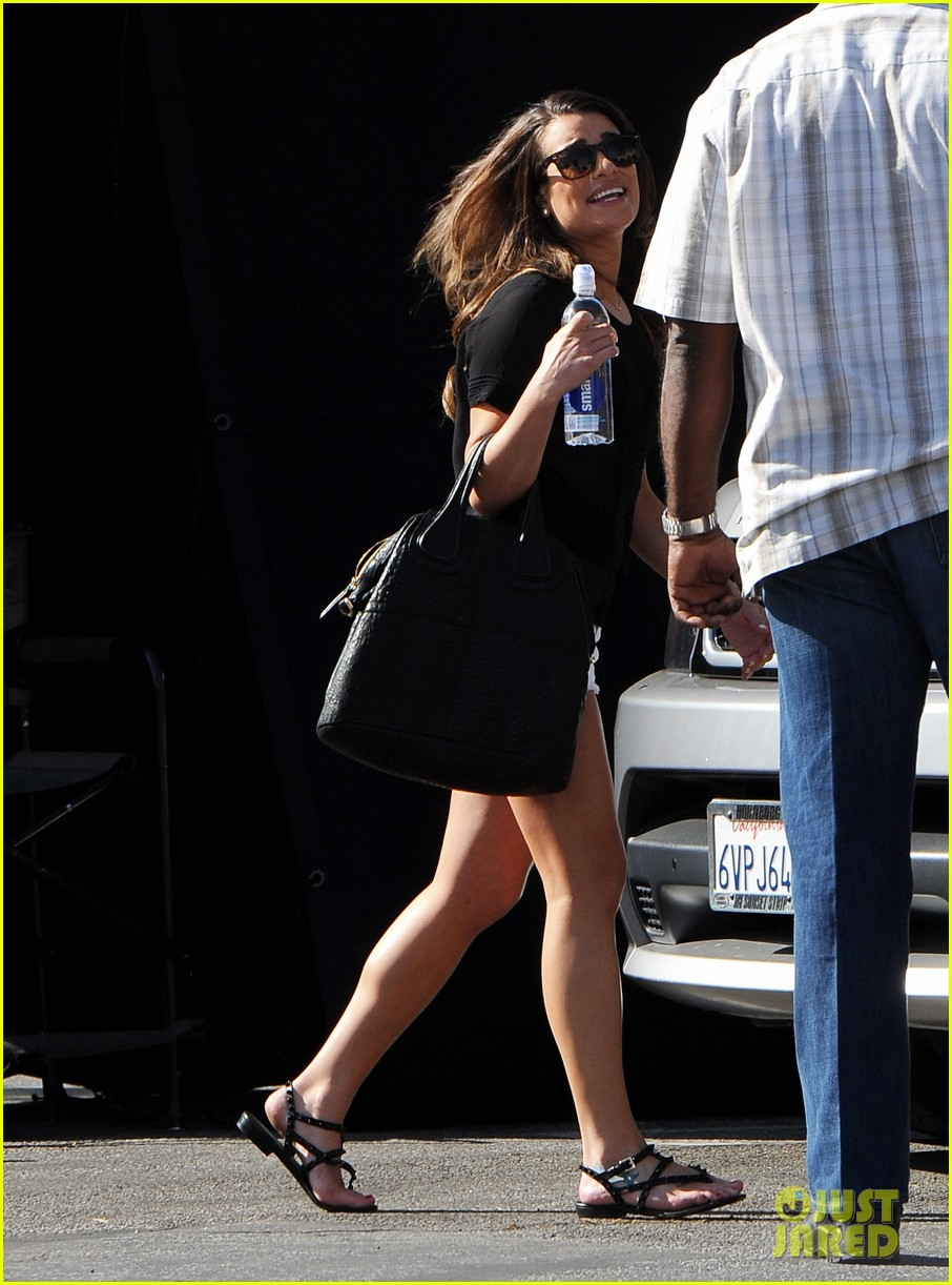 lea michele heather morris hang out on glee finale set 133103488
