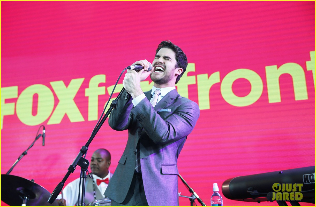 lea michele darren criss fox upfronts 2014 103111850