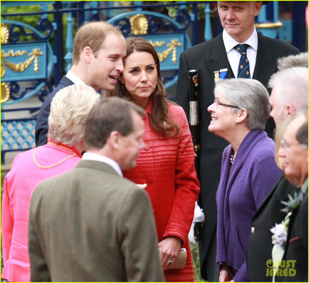 kate middleton prince william visit macrosty park in scotland 023123753