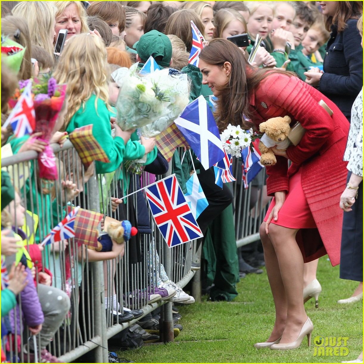 kate middleton prince william visit macrosty park in scotland 043123755