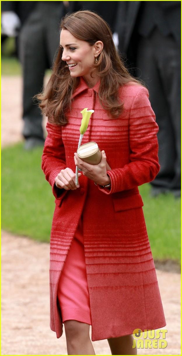 kate middleton prince william visit macrosty park in scotland 073123758