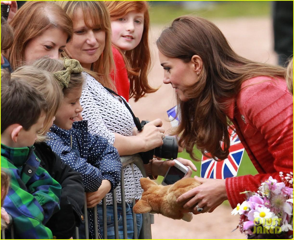 kate middleton prince william visit macrosty park in scotland 083123759