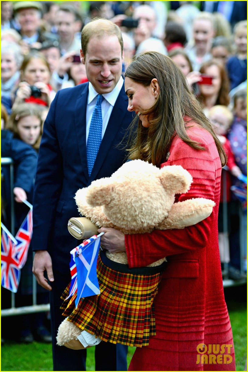 kate middleton prince william visit macrosty park in scotland 113123762