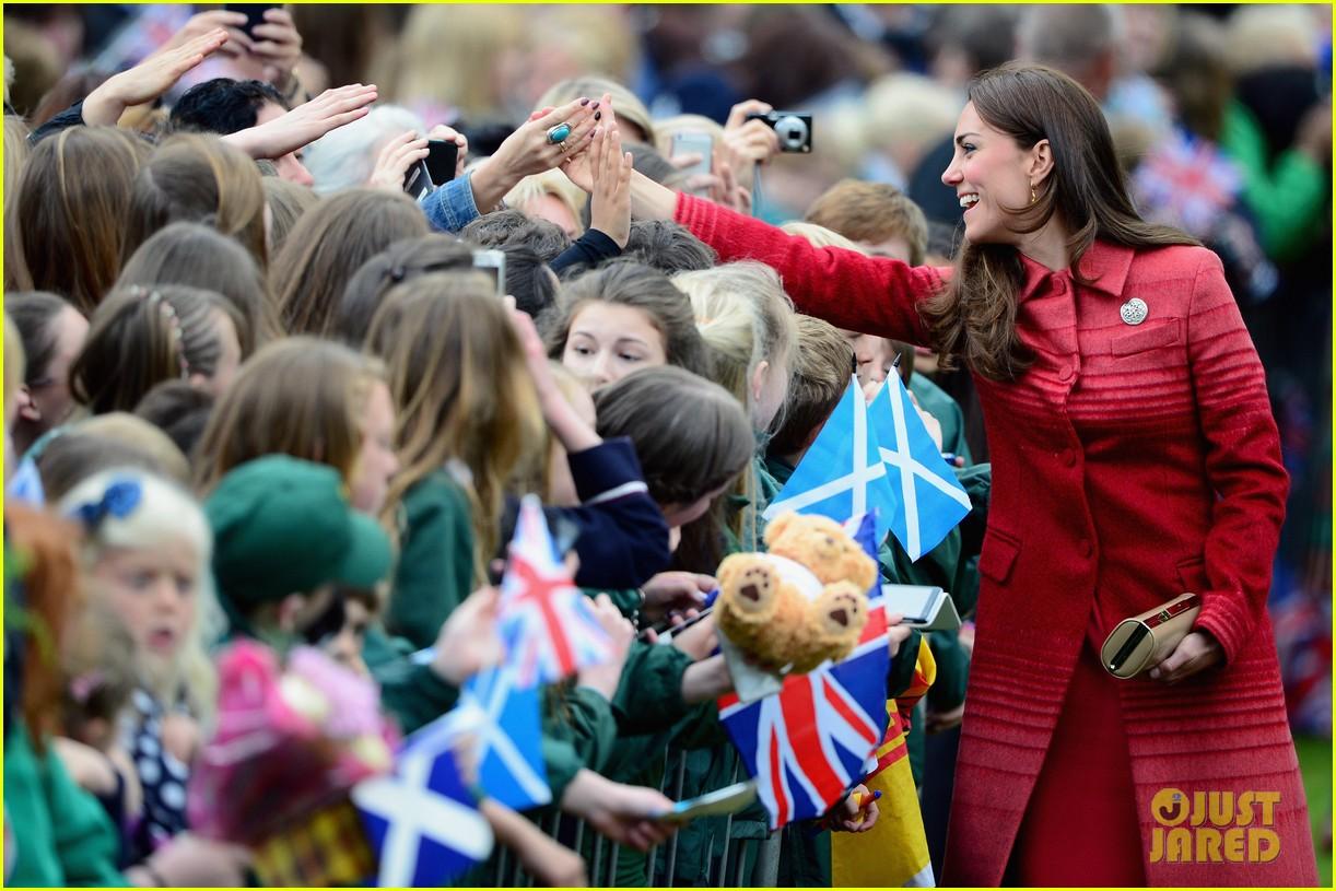 kate middleton prince william visit macrosty park in scotland 133123764
