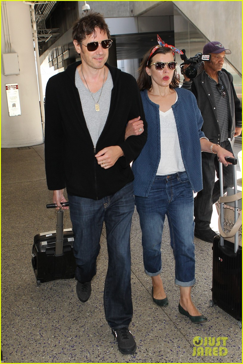 milla jovovich paul ws anderson look so in love 053123838