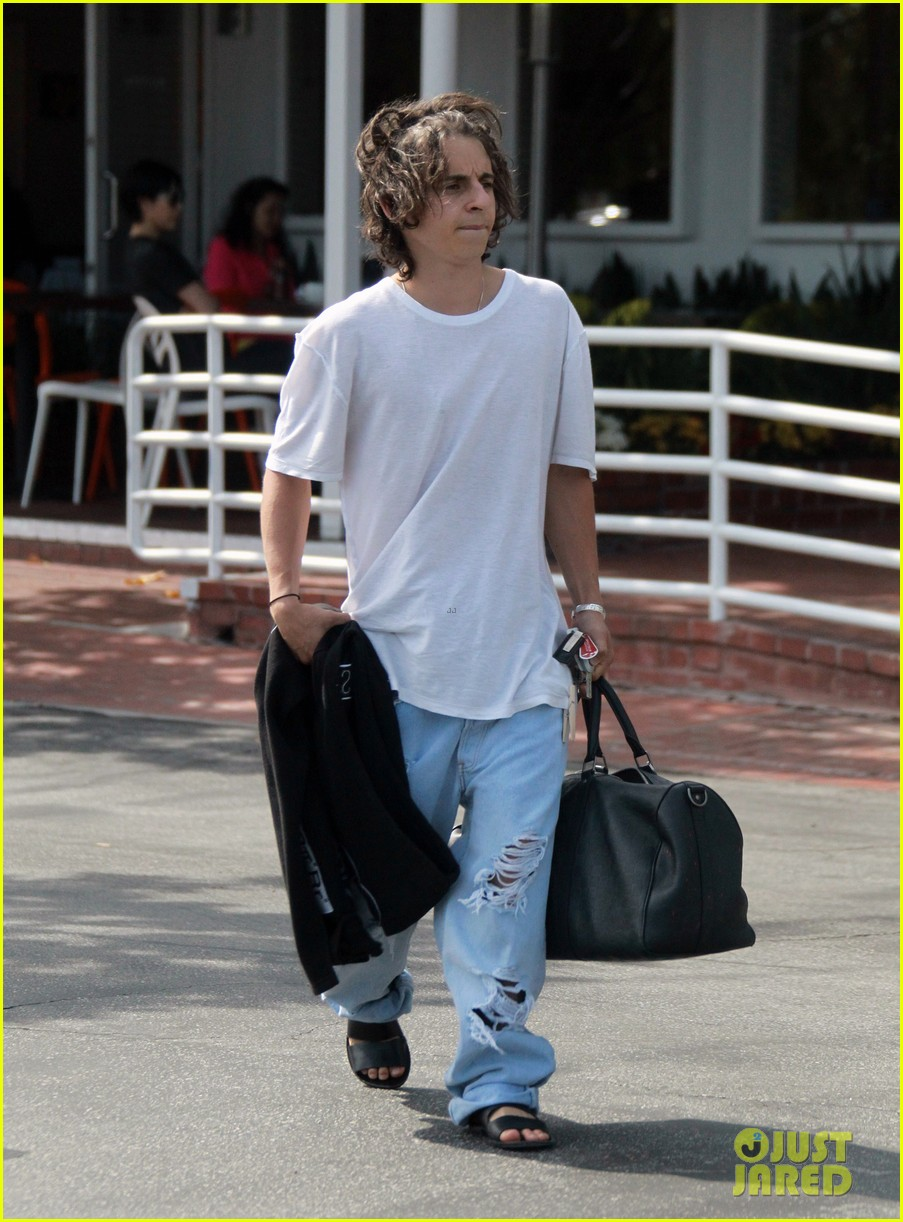 moises arias plays cool weho willow smith controversy 043110049