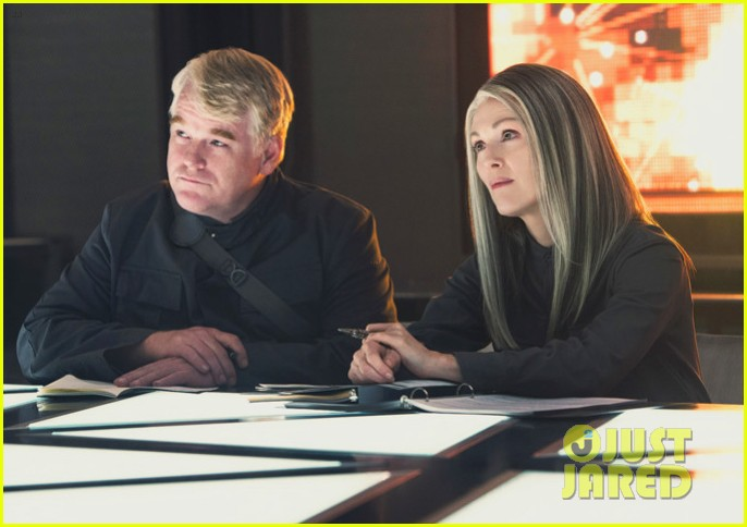 julianne moore as president coin in mockingjay first look 023114031