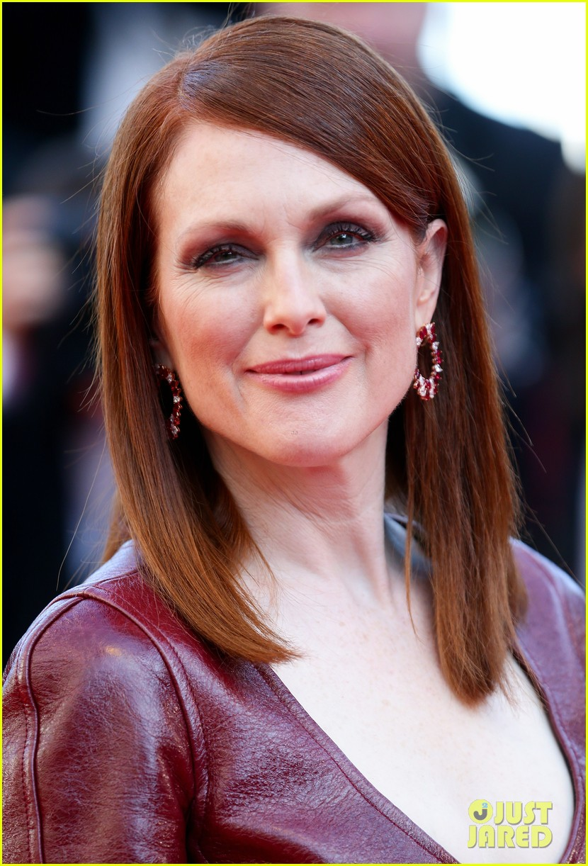 julianne moore as president coin in mockingjay first look 043114033