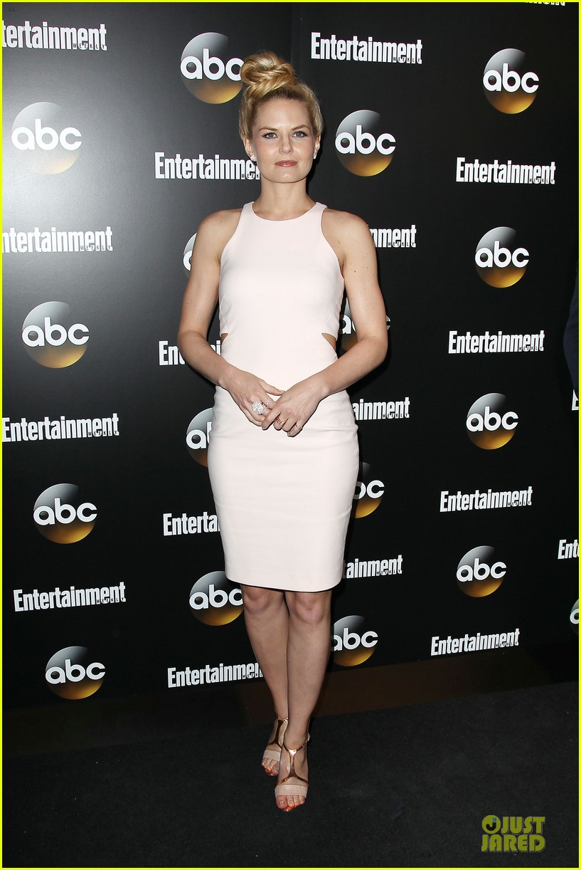 jennifer morrison jesse tyler ferguson dress at abc upfront party 013112978