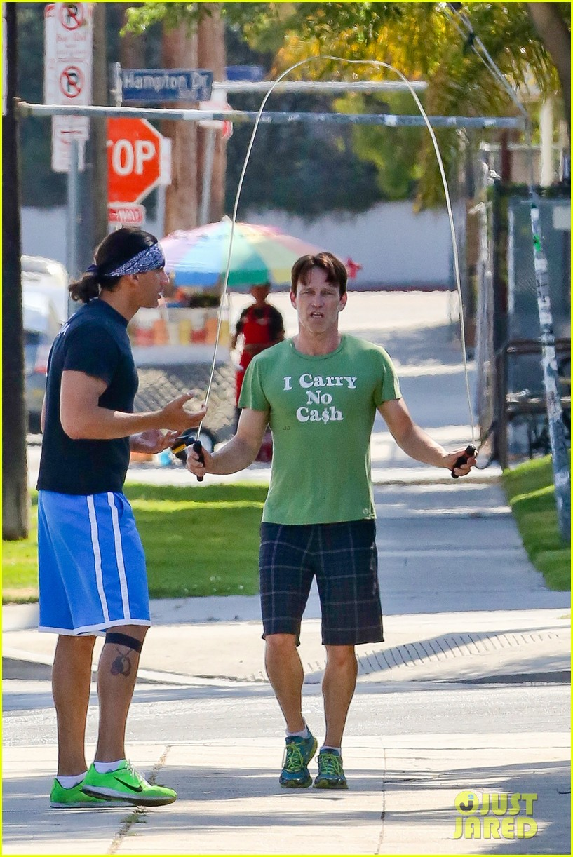 stephen moyer takes his workout to the streets 063113462