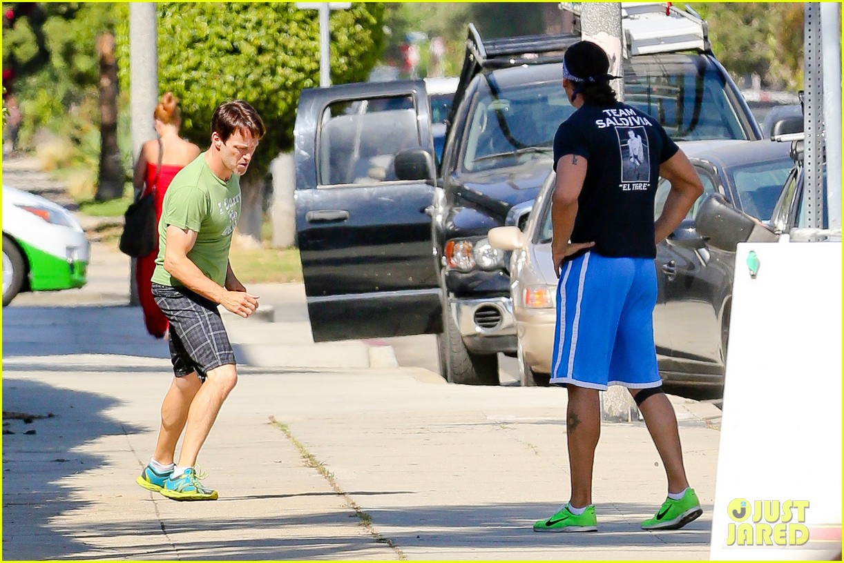 stephen moyer takes his workout to the streets 083113464