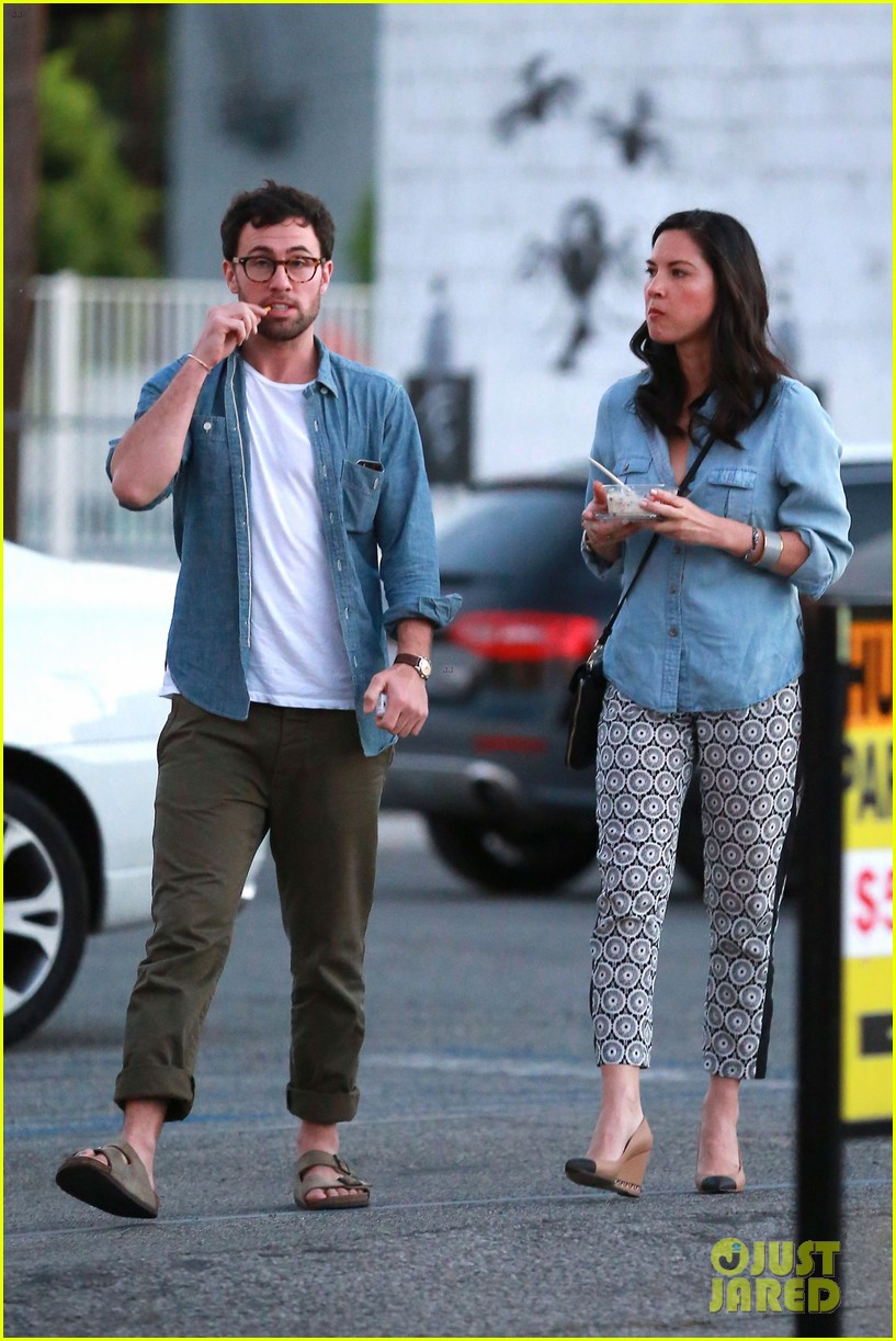 olivia munn steps out after aaron rodgers dating rumors 163113846