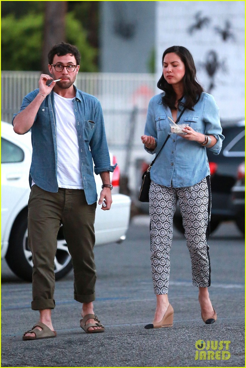 olivia munn steps out after aaron rodgers dating rumors 243113854