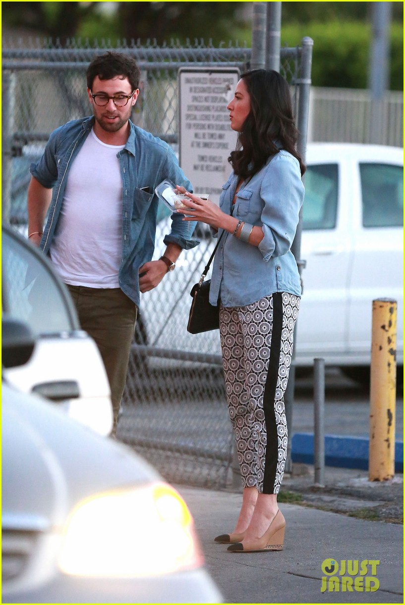 olivia munn steps out after aaron rodgers dating rumors 283113858