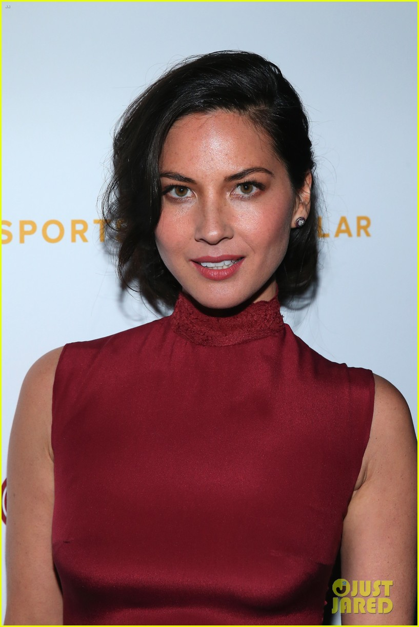 olivia munn presents award to dana white sports spec gala 063117225